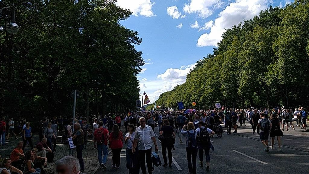 Corona-Demo - Weg zur Kundgebung
